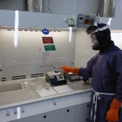 SAMPLE COOLING IN CLEAN ROOM